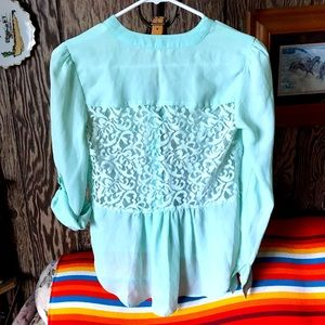 CANDIE'S 🍭 Mint green button up blouse. 💋🔥🦄